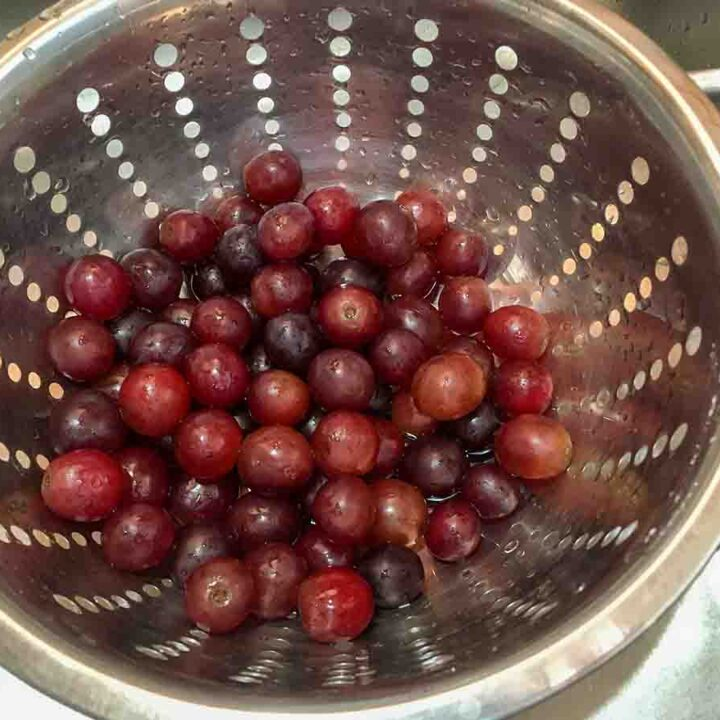 how to clean grapes