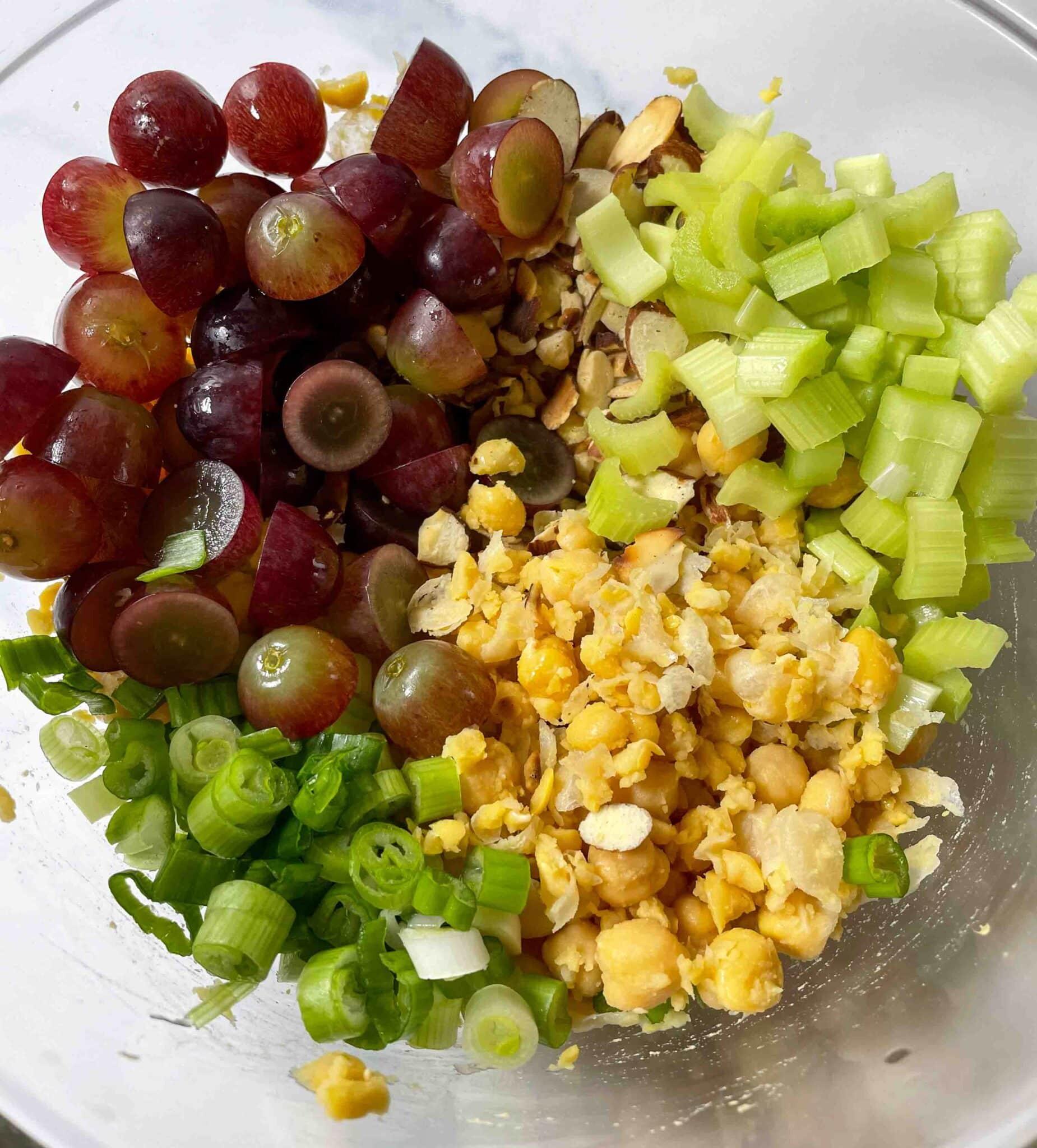 """Chickpea """"Chicken"""" Salad"""